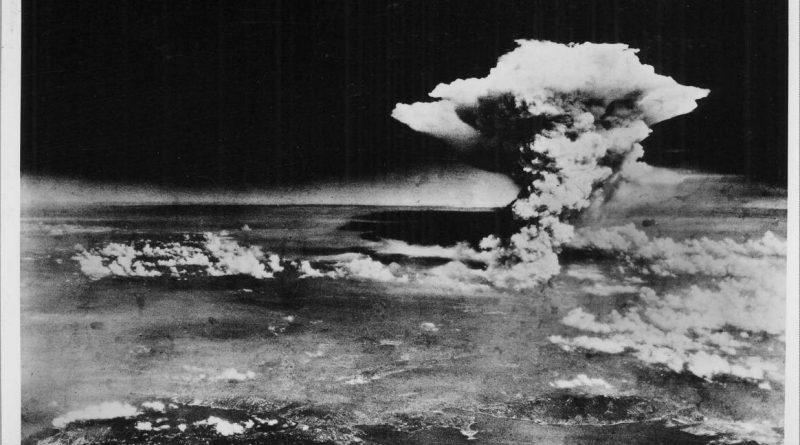 Luftaufnahme der US-Army des riesigen Atompilzes ueber Hiroshima am 6. August 1945 Foto: © HIROSHIMA PEACE MEMORIAL MUSEUM